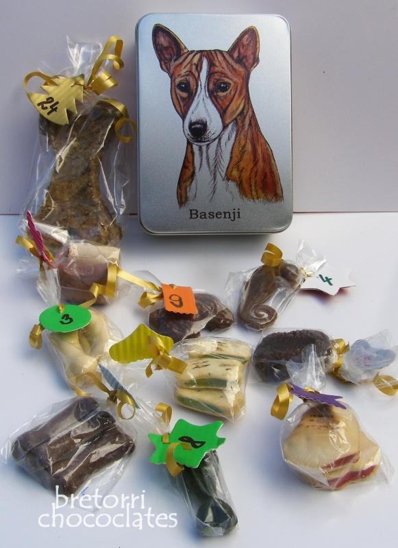 Basenji - dóza s pamlsky pro psy 30 ks pamlsků