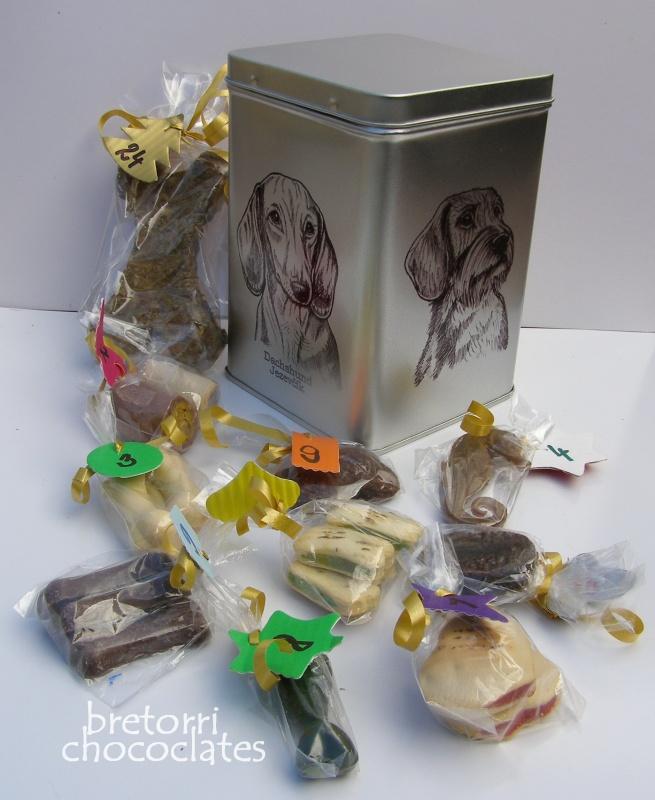Jezevčíci - dóza s pamlsky pro psy 30 pamlsků