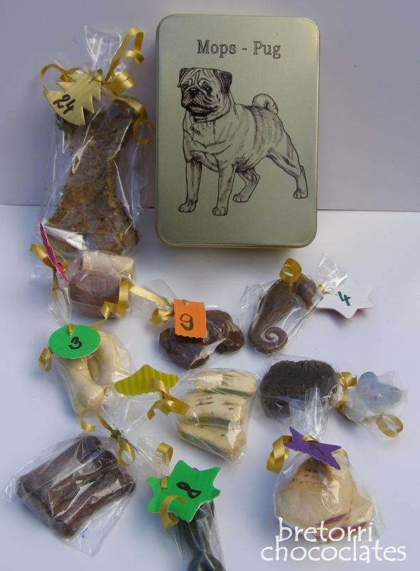 Mops - dóza s pamlsky pro psy 30 pamlsků