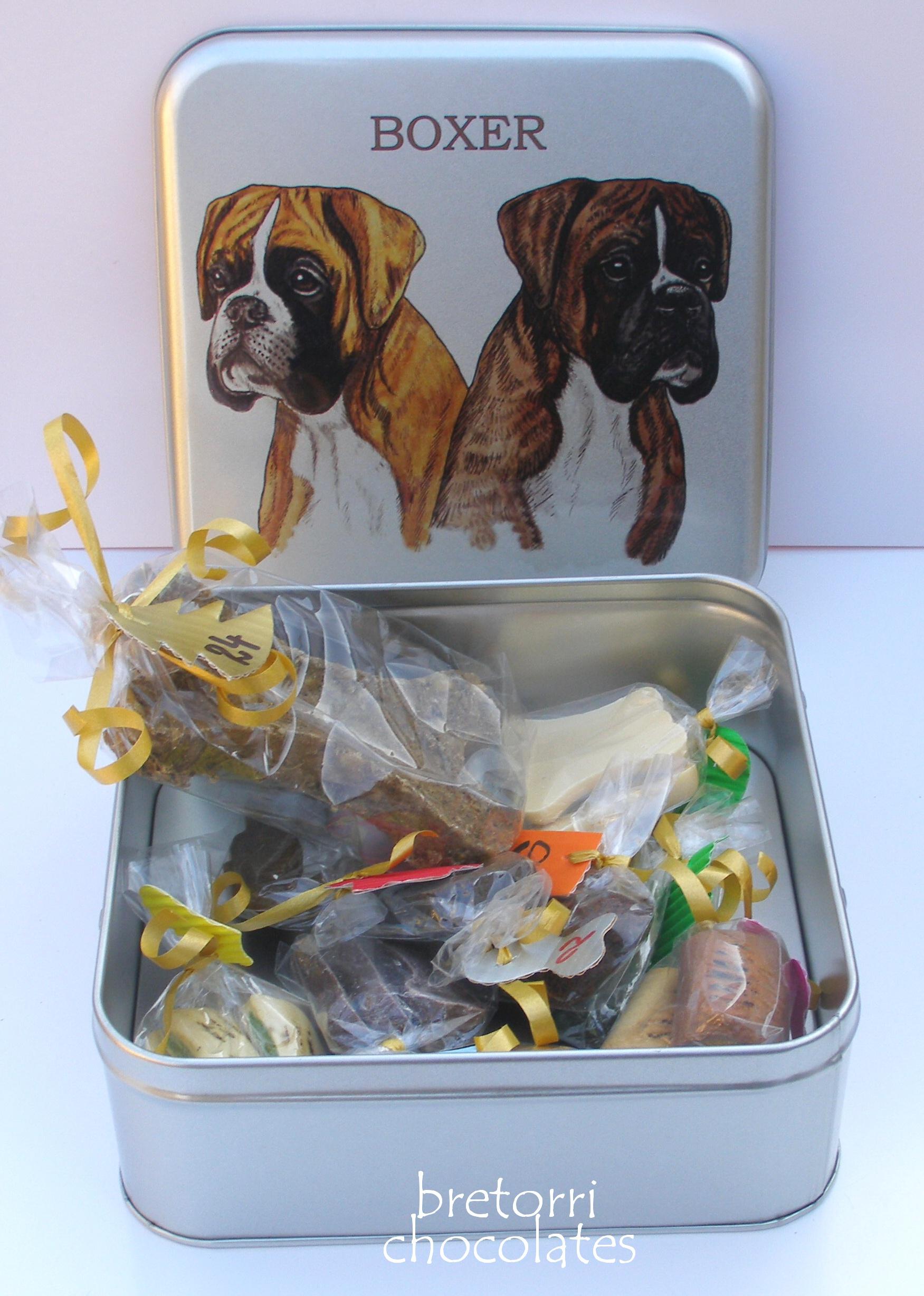 Boxer - větší dóza s pamlsky pro psy 55 kusů pamlsků