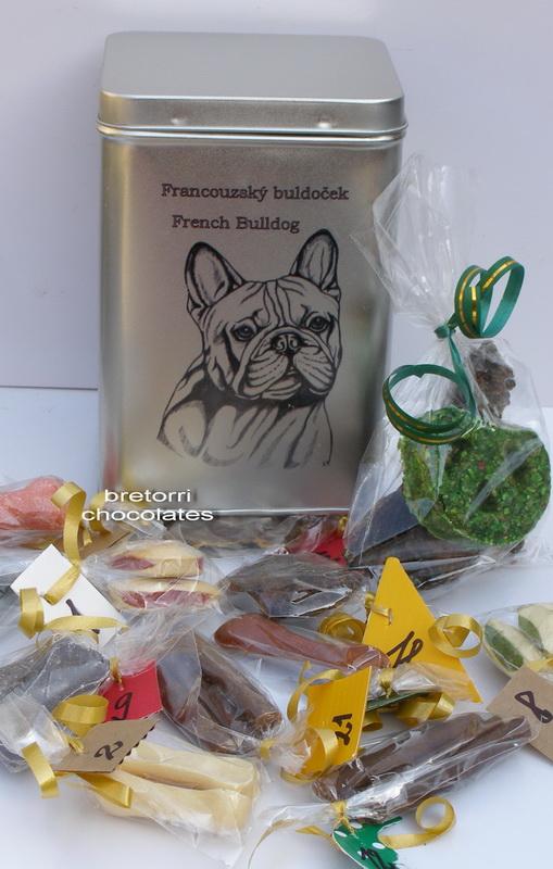 Francouzský buldoček - adventní kalendář pro psy 45 pamlsků / 360 g