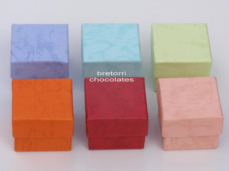 Papírová krabička barevná