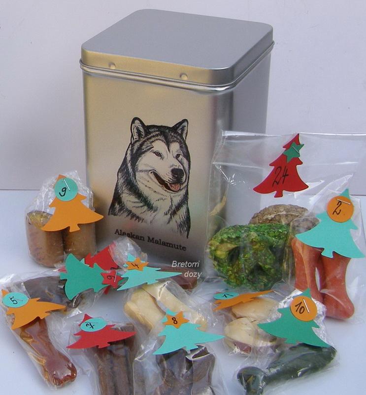 Malamut - adventní kalendář pro psy 33 kusů pamlsků / 550 g