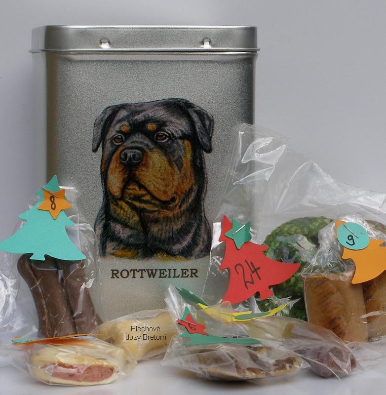 Rotvajler - adventní kalendář pro psy 33 kusů pamlsků / 550 g